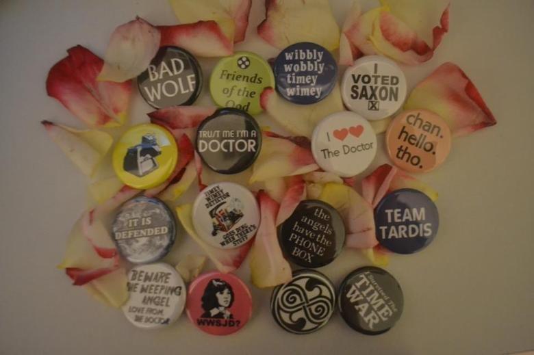 Badges/buttons. .. Don't blink Don't even blink Blink and you're dead. -apeture science + dalek = lulz-