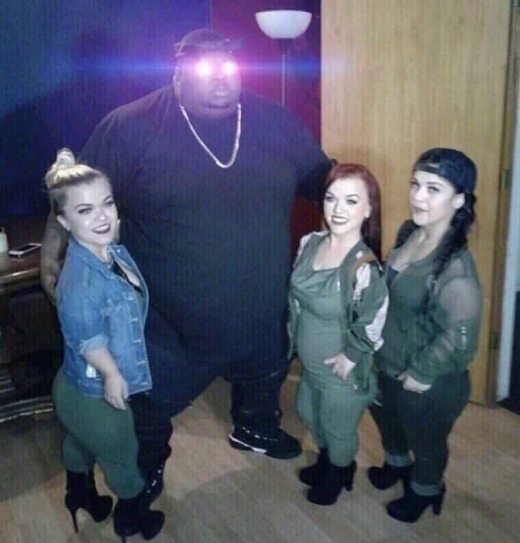 BIG HGA. .. I would wreck those dwarfs