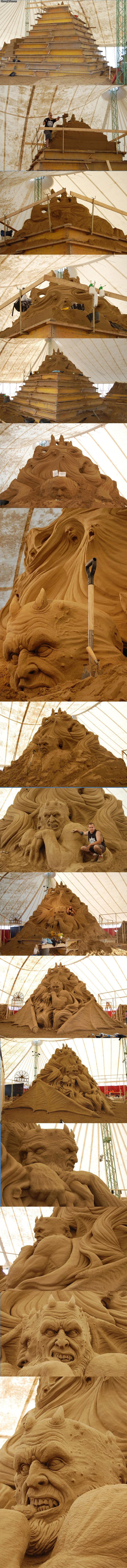 Big ass sand scupture and . like here be one of them big ass sand sculptures and . I dids it myself on holiday up in Redcat.. My senses are tingling. <mfw I read the description.