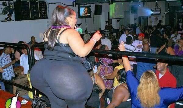 Big butt. WHOA.. Dat Badonkadonk