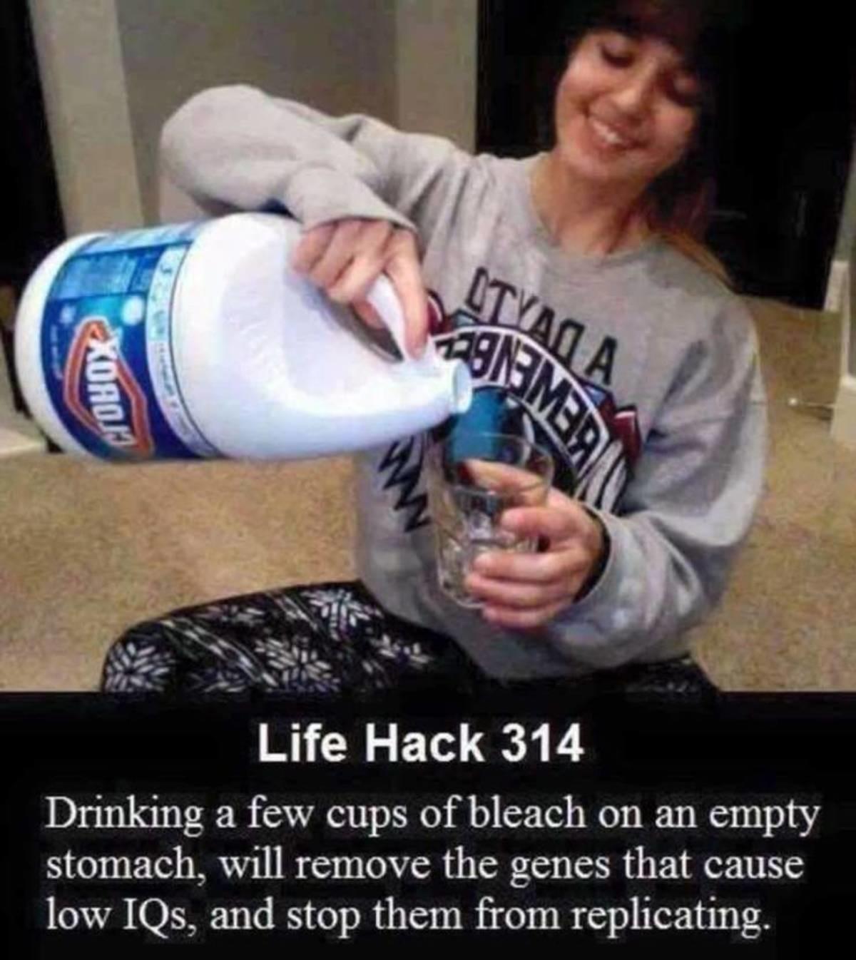 Bleach. .. Drink Poison! Drink Moar Poison!