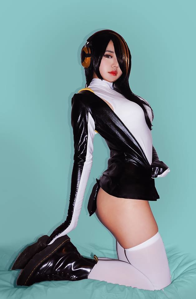 Emperor Pengu Cosplay. join list: MonMusuManiacs (1569 subs)Mention History join list: