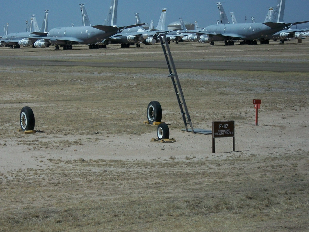 F-117 at the boneyard. .. Turn around and then look at it again. Probably a glitch
