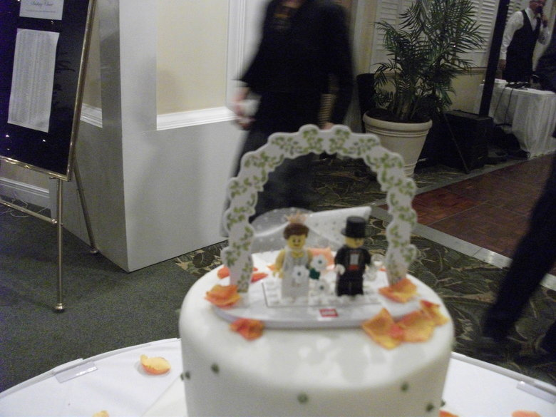 FJ Girls! Marriage.. My cousin got married & the one decision that her hubby made for the wedding plans was the cake topper. She picked a winner... A channel for girls? HAH.