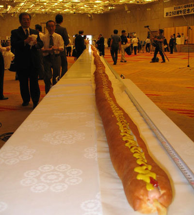 Hundred foot-long. .. damn i'd eat that in a heartbeat!