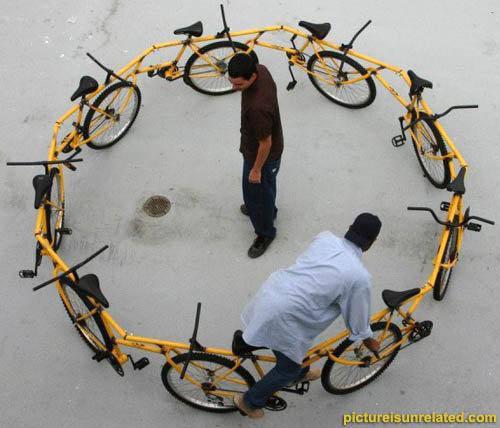 Merry-go-Bike. .