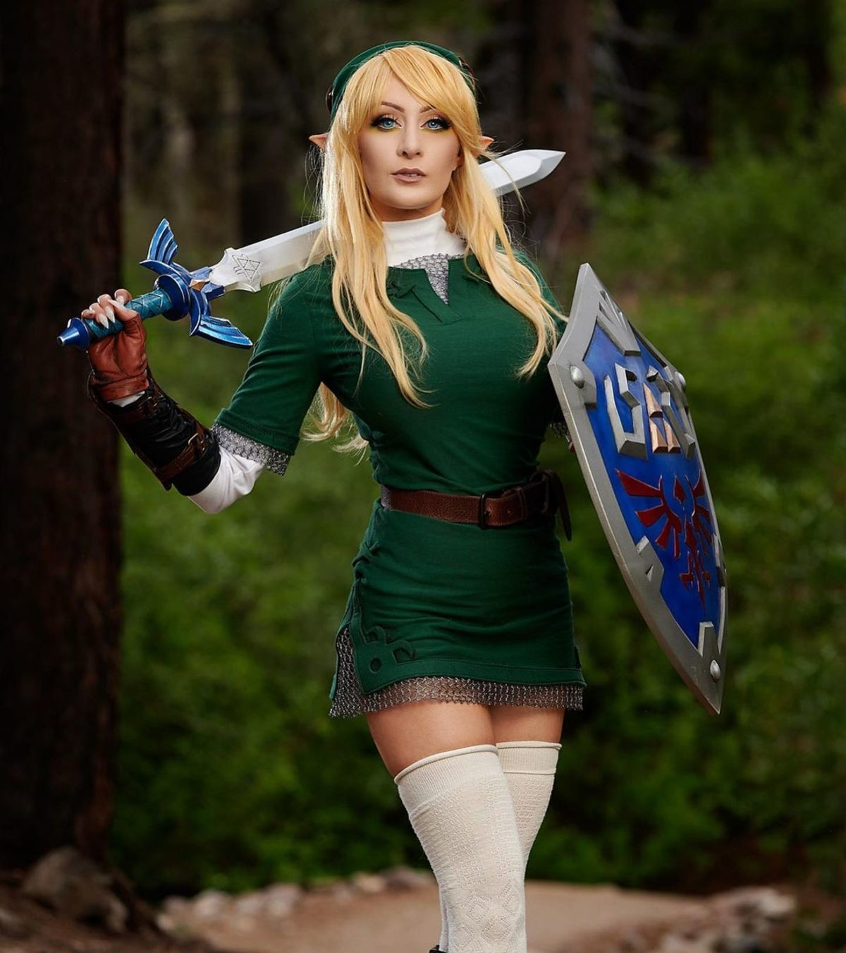 """""""What if Zelda was a girl?"""" (cosplay by k8sarkissian). .. """"if"""""""